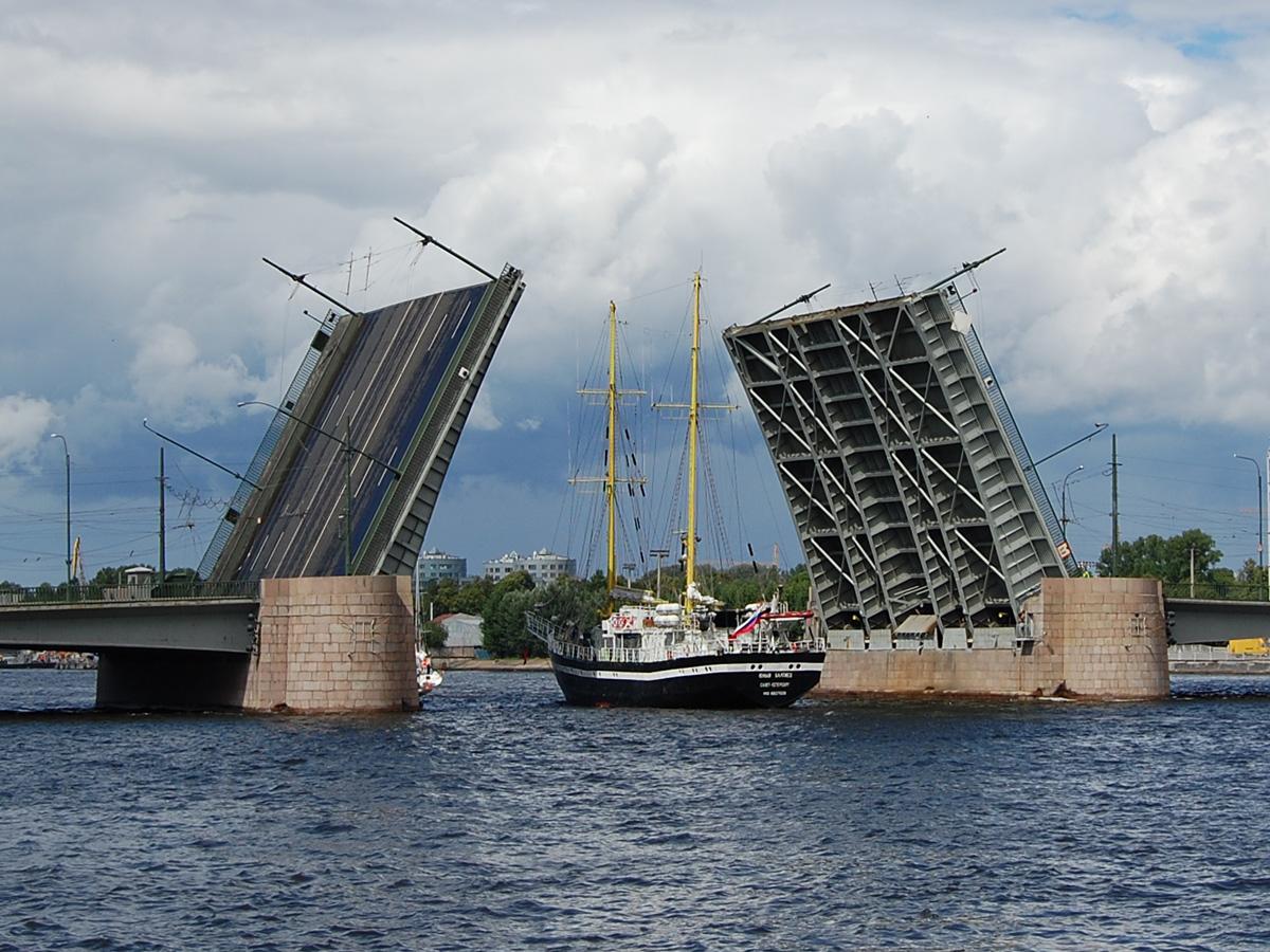 График разведения мостов в Санкт-Петербурге в 2019 году